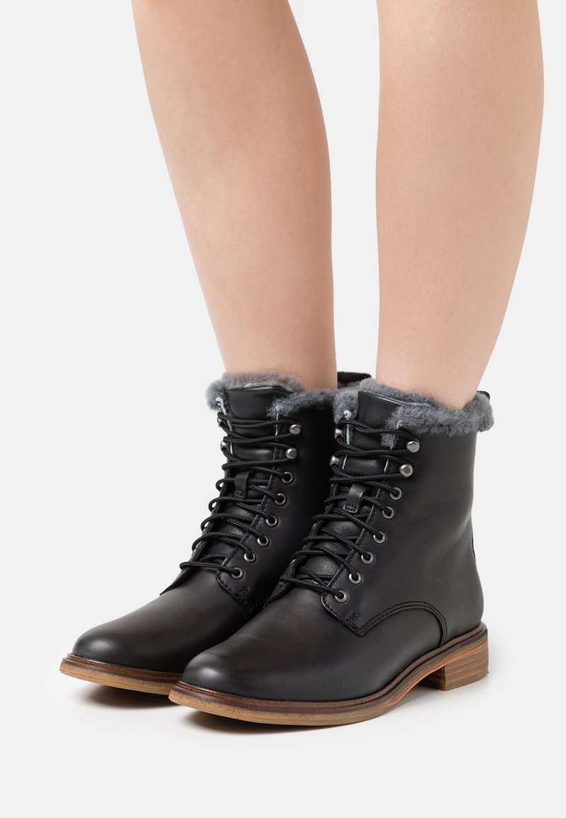 Clarks - CLARKDALE LACE - Lace-up ankle boots - black