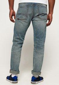 Superdry - DAMAN - Straight leg jeans - grey - 2
