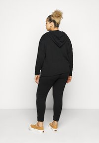 Dorothy Perkins Curve - LOUNGE POCKET HOODY - Maglione - black - 2