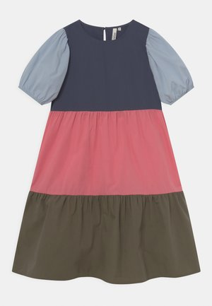 MEGIA MIDI COLOUR DRESS - Sukienka koktajlowa - ombre blue