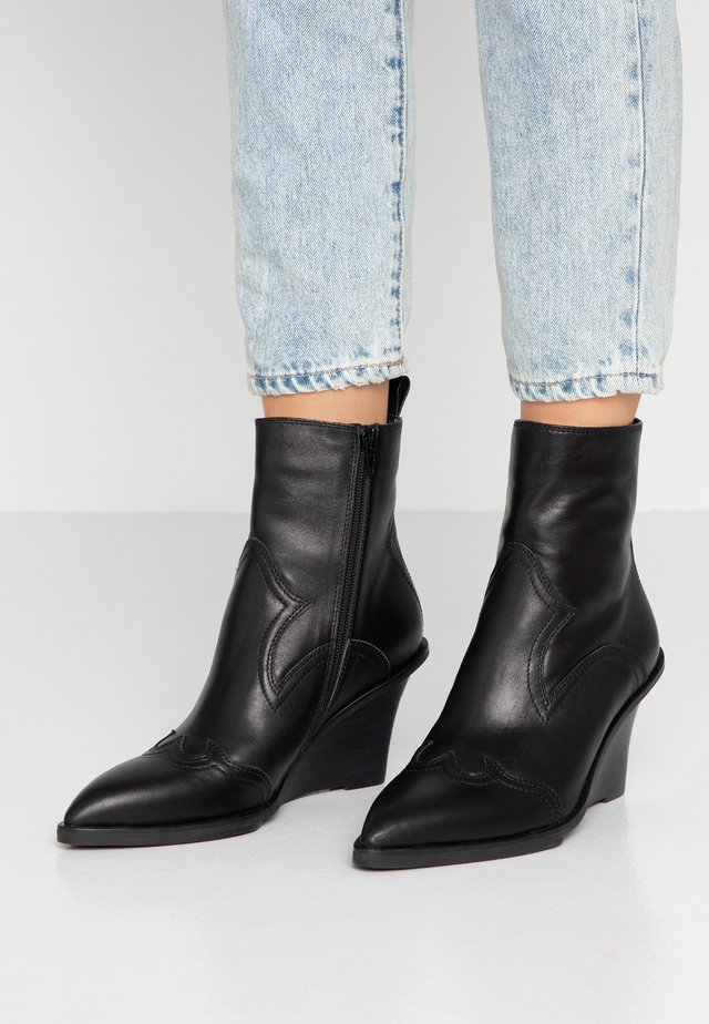 ALEA WEST - High heeled ankle boots - black