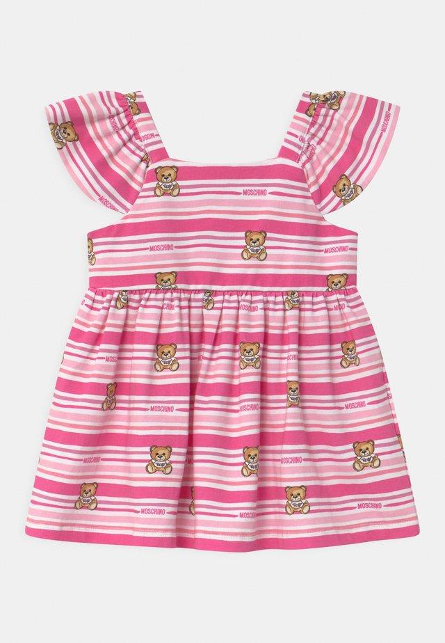 SET - Žerzejové šaty - pink