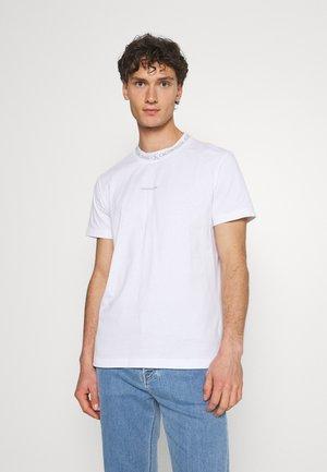 LOGO TEE UNISEX - Printtipaita - white