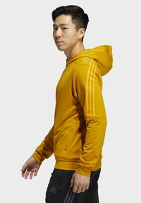 adidas Performance - AEROREADY 3-STRIPES COLD WEATHER KNIT HOODIE - Sudadera con cremallera - gold - 3