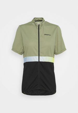 CORE ENDUR - Camiseta estampada - forest/black