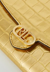 Lauren Ralph Lauren - ADAIR CROSSBODY SMALL - Wallet - antique gold-coloured - 5