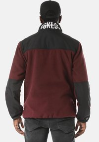 Young and Reckless - Fleece jacket - red - 2
