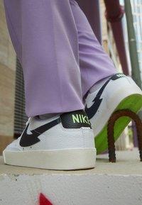 Nike Sportswear - NIKE BLAZER LOW  - Trainers - white/aquamarine-lime glow-off noir-sail - 2
