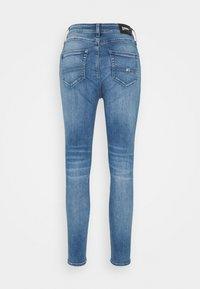 Tommy Jeans - SHAPE SKINNY - Jeans Skinny Fit - dyn quincy - 1