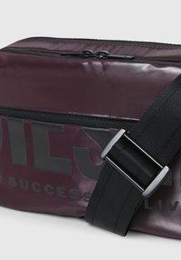 Diesel - FARAH II - Across body bag - dark violet - 4