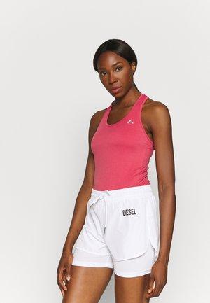 ONPCHRISTINA SEAMLESS  - Sports shirt - holly berry