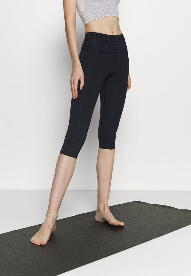 LEGGINGS 3/4 - Pantalon 3/4 de sport - night blue