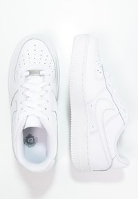 Nike Sportswear - AIR FORCE 1 - Matalavartiset tennarit - white - 1