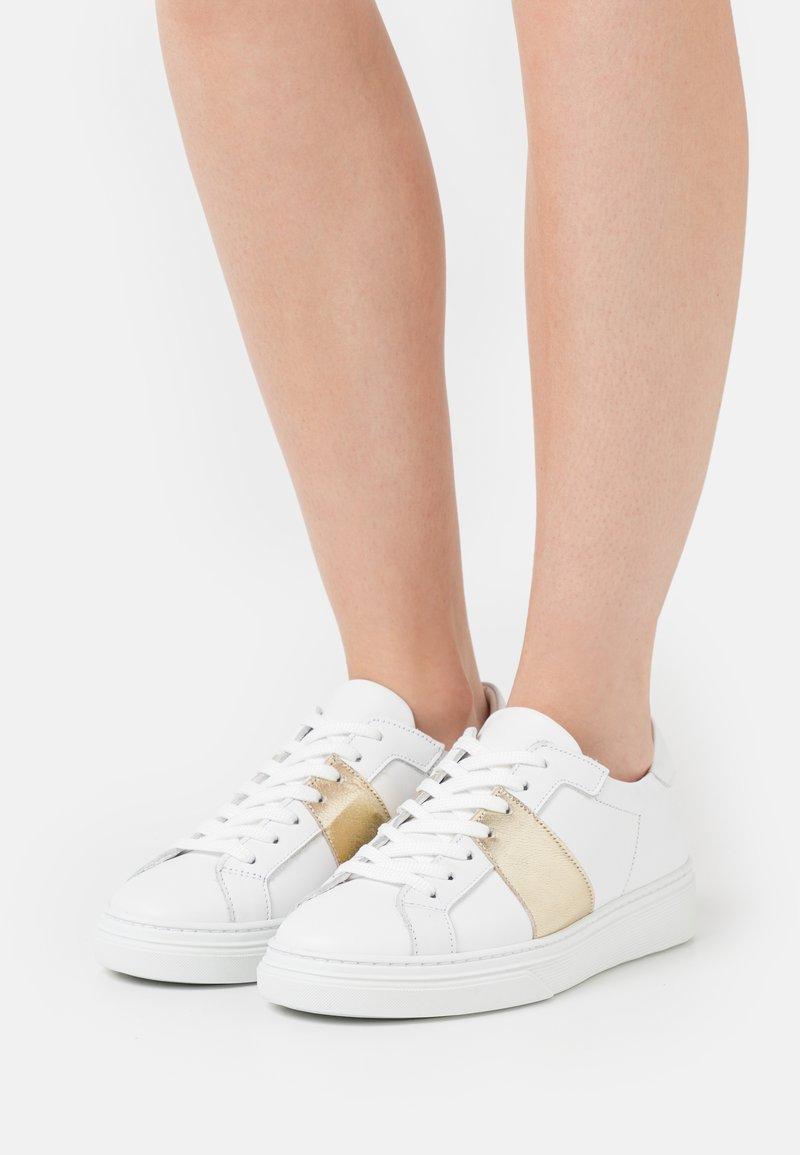YAS - YASNIDA - Trainers - star white