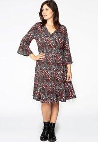 Yoek - Day dress - red - 1