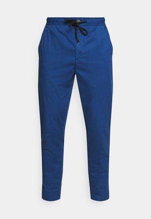 CASTLE POPLN - Pantalones - thames