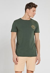 Shiwi - MEDELLIN - Print T-shirt - cilantro - 0