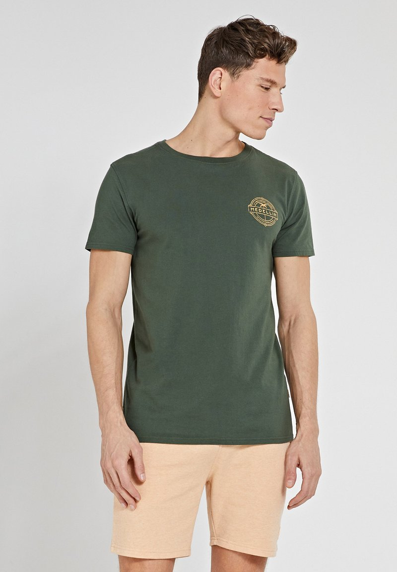 Shiwi - MEDELLIN - Print T-shirt - cilantro