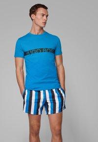 BOSS - RN - T-shirts print - blue - 0