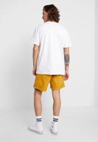 Nudie Jeans - LUKE - Denim shorts - tumeric - 3