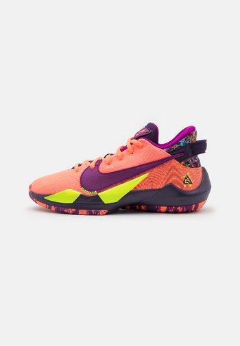 FREAK 2 SE UNISEX - Basketball shoes - bright mango/red plum/volt/grand purple