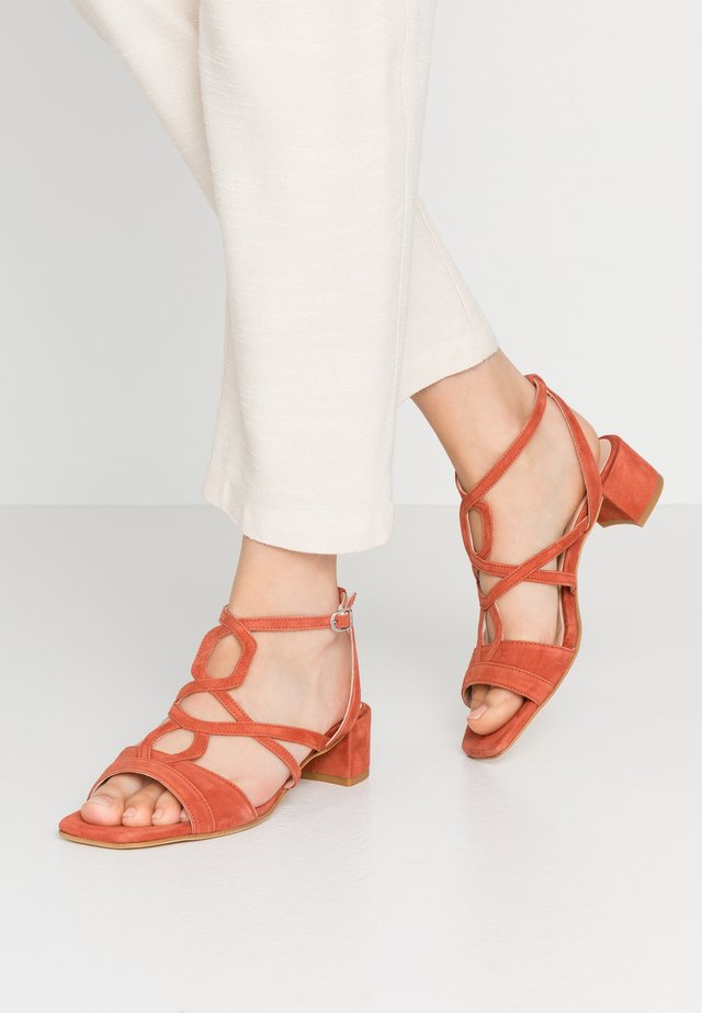 Sandals - red