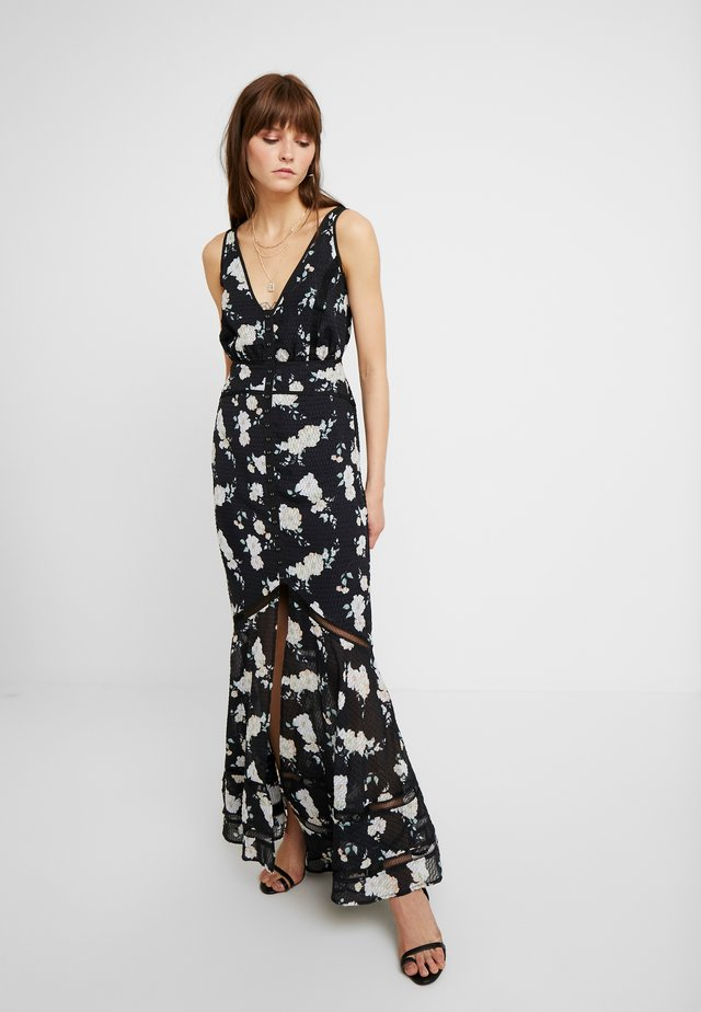MIA MAXI DRESS - Maksimekko - black camellia