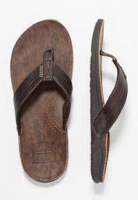 Reef - J-BAY - Sandály s odděleným palcem - dark brown - 1
