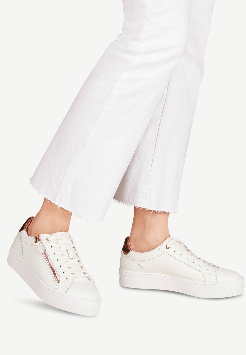 Tamaris - TAMARIS SNEAKER - Sneakers laag - white