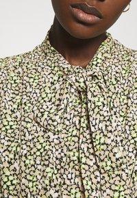 ARKET - DRESS - Košilové šaty - flower - 5