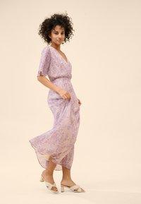 ORSAY - MIT MUSTER - Maxi dress - helles flieder - 1