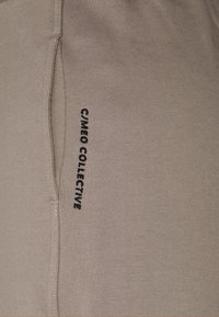 CMEO COLLECTIVE - REIGN PANT - Tracksuit bottoms - putty - 2
