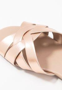 Dorothy Perkins - FENNEL INTERLACED MULE SLIDE - Pantofle - rose gold - 2