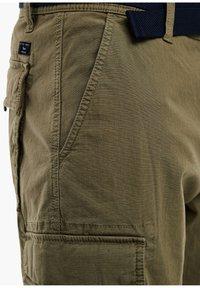 s.Oliver - LOOSE FIT - Shorts - khaki - 2