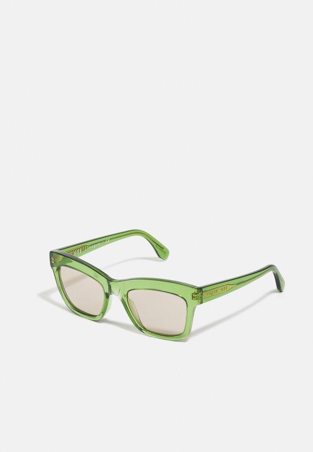 MARBELLA - Sluneční brýle - transparent green
