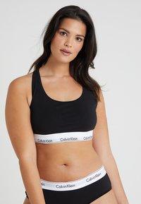 Calvin Klein Underwear - MODERN PLUS UNLINED BRALETTE - Alustoppi - black - 0