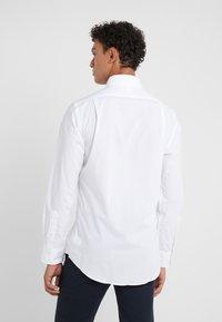 Polo Ralph Lauren - NATURAL SLIM FIT - Hemd - white - 2
