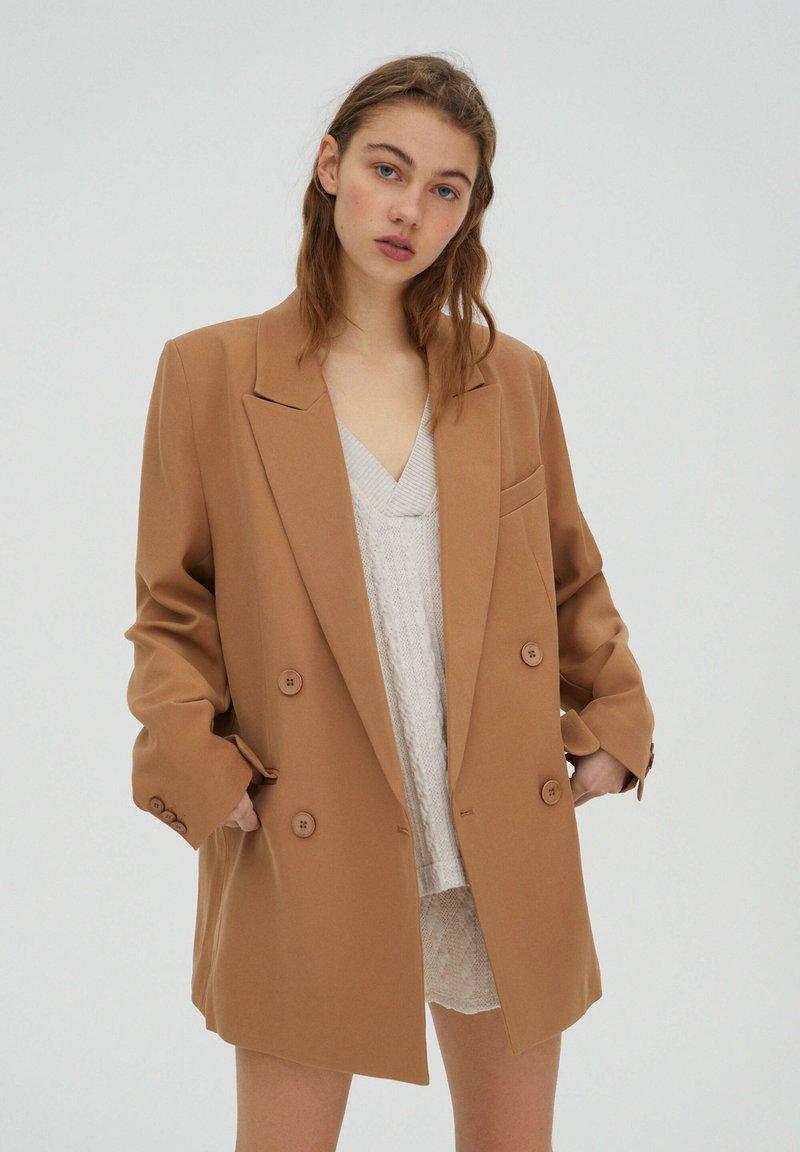 PULL&BEAR - Short coat - brown