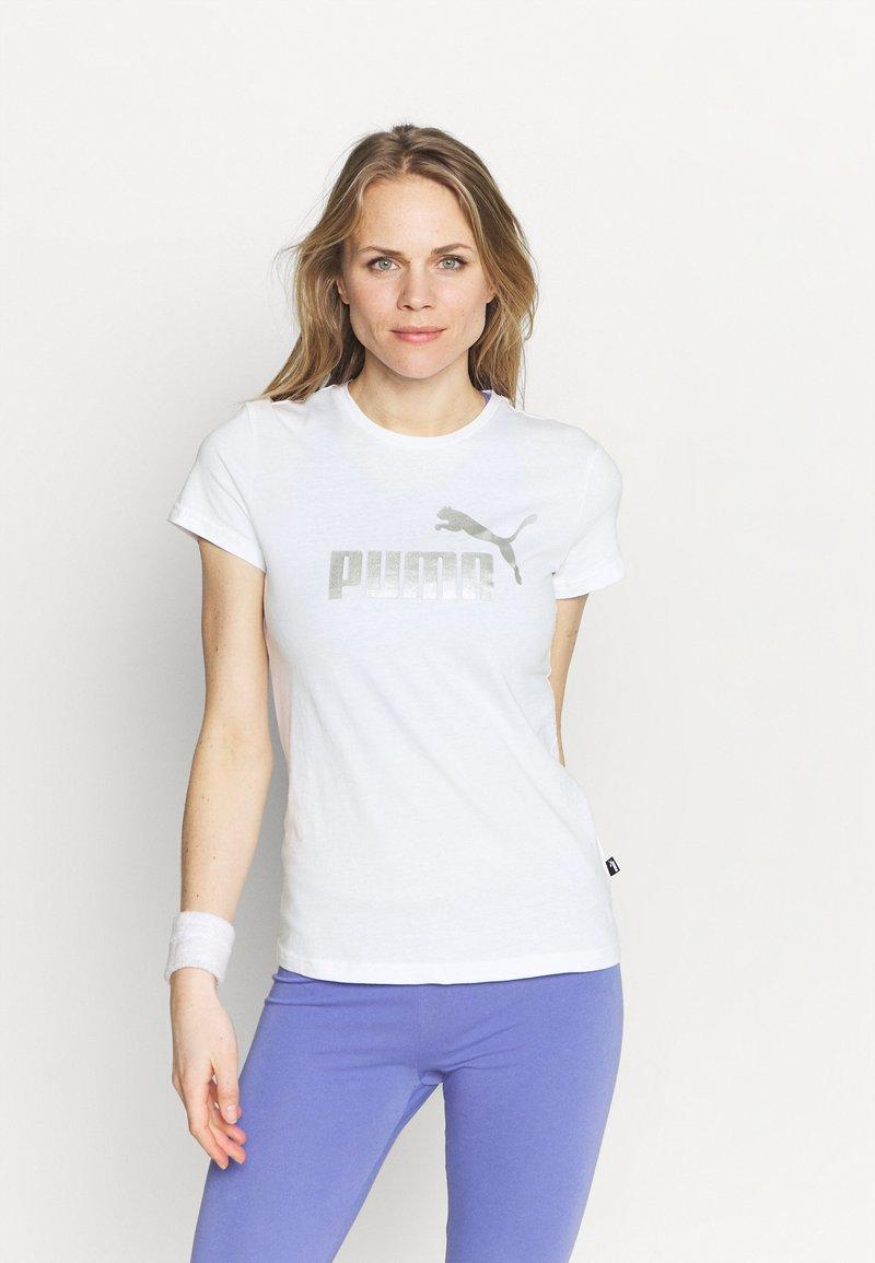 Puma - METALLIC LOGO TEE - Print T-shirt - white/silver