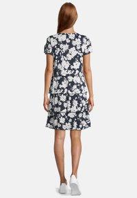 Betty Barclay - Day dress - weiß/dunkelblau - 1