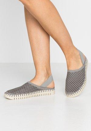 TULIP - Nazouvací boty - grey