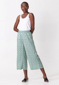 Indiska - Trousers - ltgreen - 0