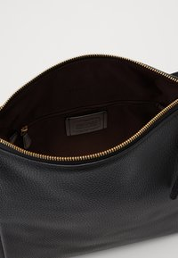 Coach - SHAY SHOULDER BAG - Kabelka - black - 3