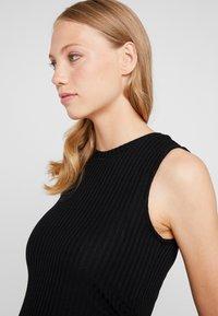 Topshop Maternity - RUCHED SIDE DRESS - Robe en jersey - black - 3