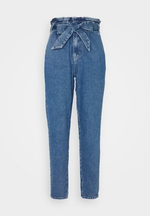 ONLJANE PAPERBAG BELT - Relaxed fit jeans - medium blue denim