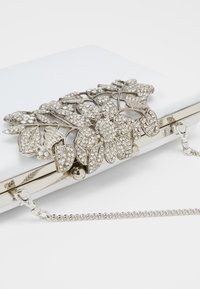 Forever New - Clutch - ivory/clear/silver - 3
