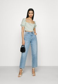 Glamorous - MAYA WITH PUFF SHORT SLEEVES AND LOW NECKLINE - Blouse - mint - 1