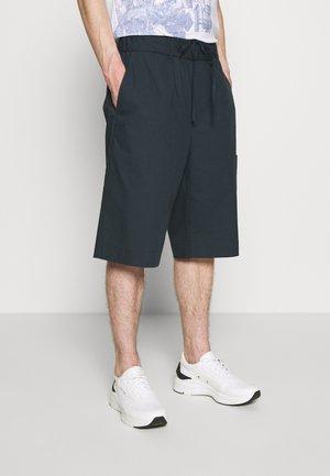 WASHED PULL ON SHORT - Shorts - marine