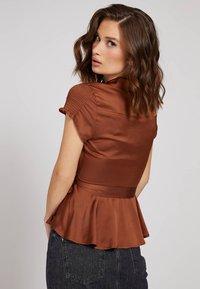 Guess - Button-down blouse - braun - 2