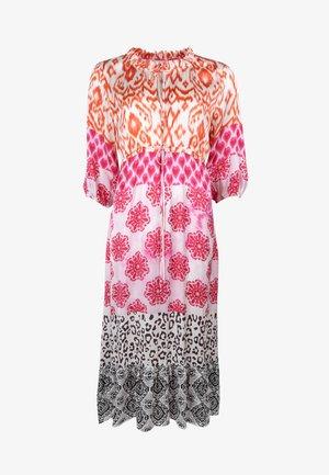 ORNAMENTS PATCH - Day dress - orange/pink